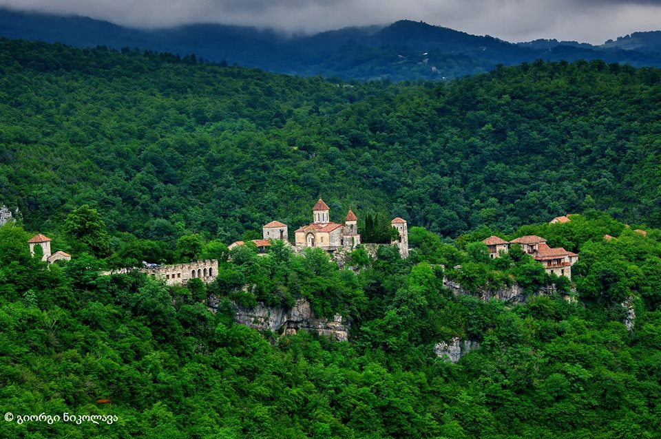 Motsamet's, monastery