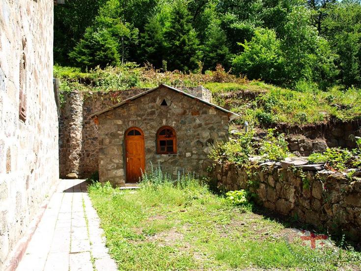 зелёный монастырь,