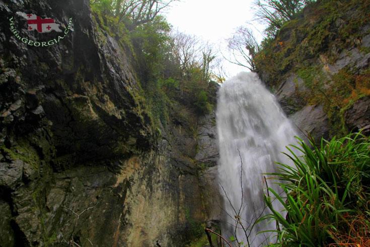 Водопад и мост Mахунцети – Аджара