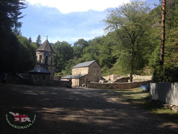 <center>Зелёный монастырь</center>