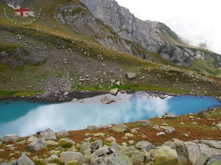 Бездонное озеро - Рача